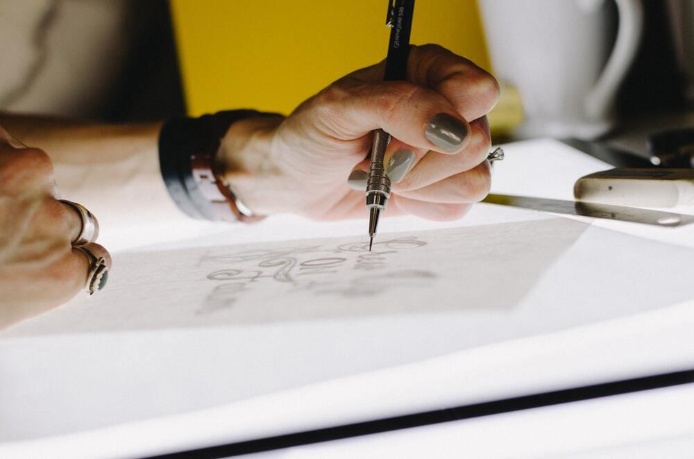 logo drawing process